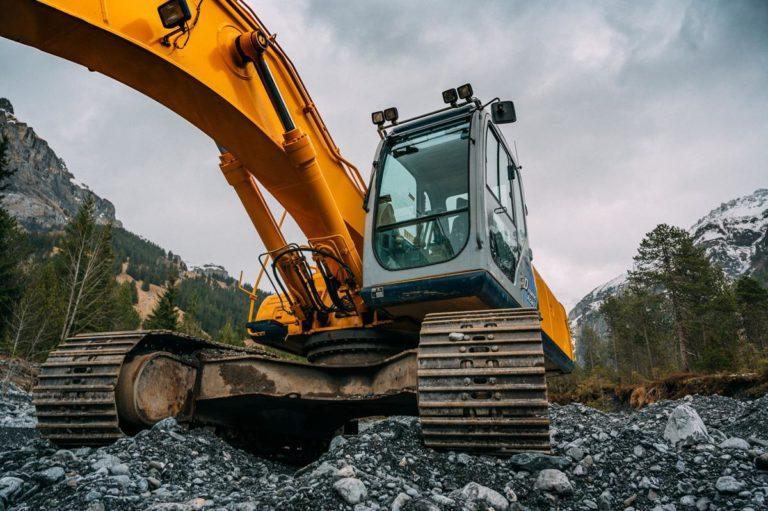 Serwis maszyn budowlanych z układem hydraulicznym