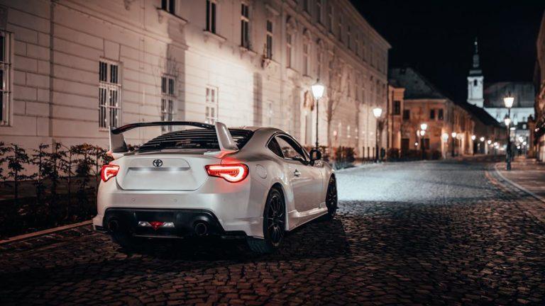 Gdzie można wynająć naprawdę luksusowe auto?